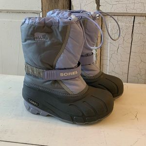 Sorel Youth Flurry snow boots Size 3